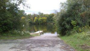 Boat ramp with pontoon